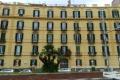 Il palazzo da via Caracciolo